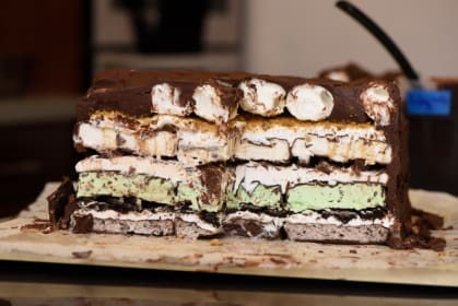 7-Layer Klondike Lasagna: The Dessert You Never Knew You Needed to Make