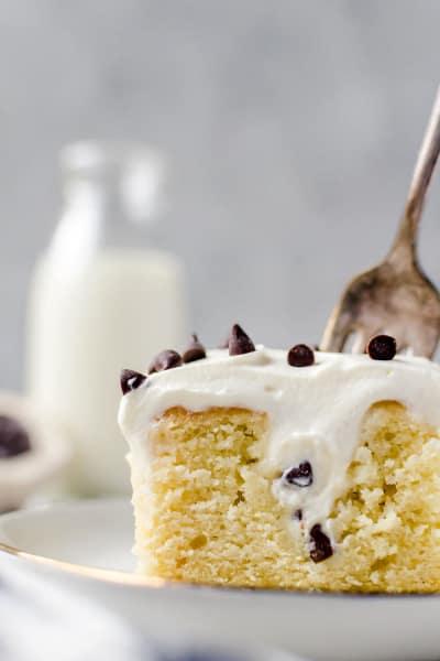 Cannoli Poke Cake Image