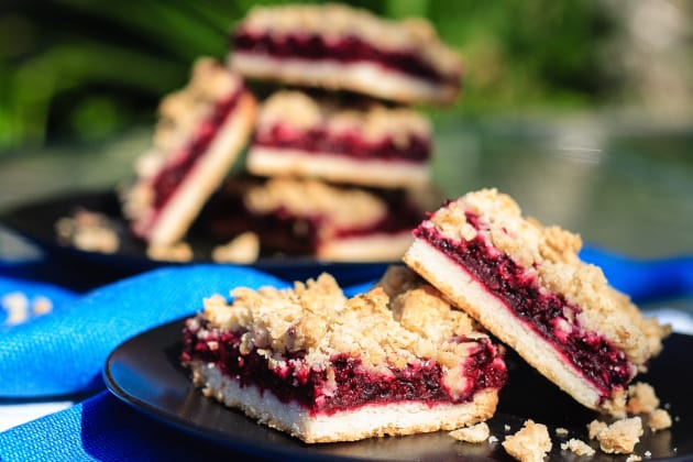 Blackberry Crumble Bars Image