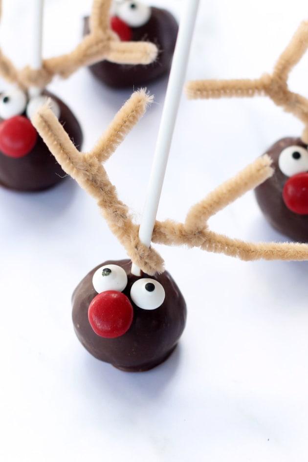 Reindeer Cake Pops Picture