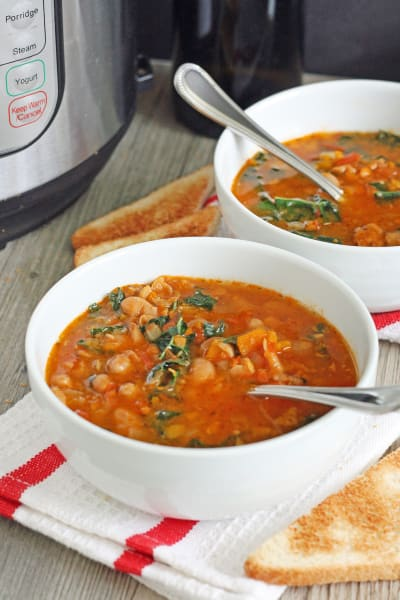 Tomato and Cannellini Bean Soup Image