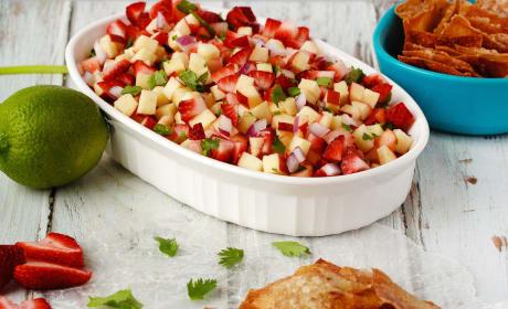 Fruit Salsa with Cinnamon Wonton Chips Recipe