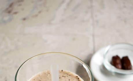 Healthy Homemade Vanilla Frappuccino Pic