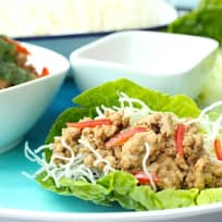 Chicken lettuce wrap with crispy noodles