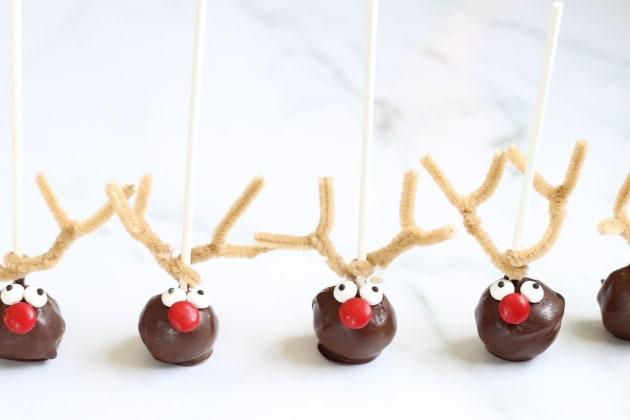 File 3 Reindeer Cake Pops