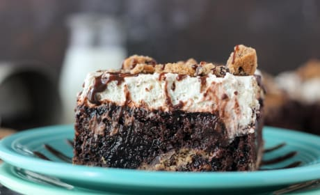 Chocolate Chip Cookie Poke Cake Recipe