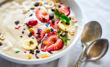 Vegan Banana Split Smoothie Bowl Recipe