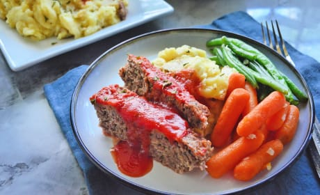 Instant Pot Meatloaf with Garlic Mashed Potatoes Photo