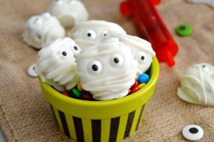 Monster Cookie Dough Pretzel Mummy Bites