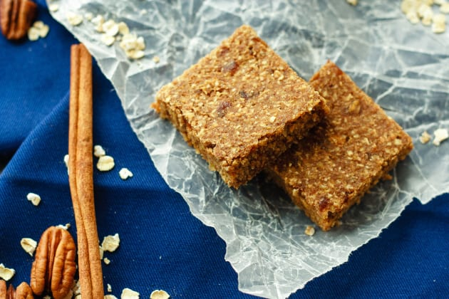 Apple Cinnamon Energy Bars Photo