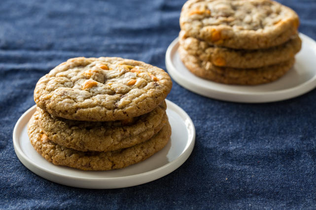 Pumpkin Spice Toffee Cookies Recipe