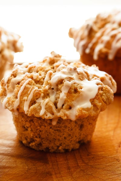 Apple Muffins with Crumb Topping Pic