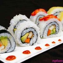 Cách làm Sushi Chay Đậu Hủ và Bơ