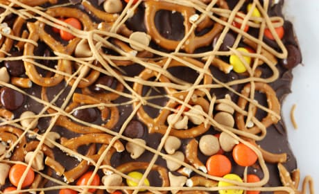 Chocolate Peanut Butter Pretzel Bark Picture