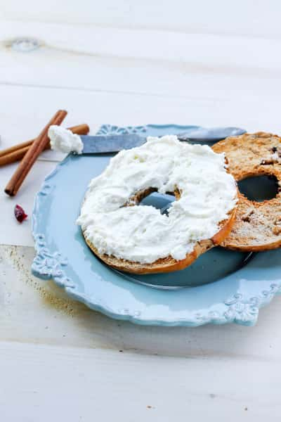 Cranberry Bagels with Cinnamon Picture
