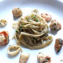 Thai Mixed Seafood with Garlic Pasta