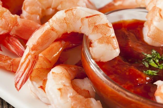 How to Make Shrimp Cocktail Photo