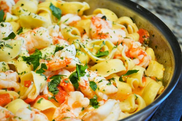 Shrimp Scampi Tortellini Photo