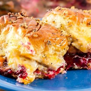 Turkey sliders with cranberry sriracha sauce photo