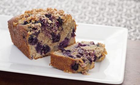 Healthy Blueberry Bread for Breakfast