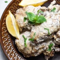 Easy Keto Slow Cooker Middle Eastern Chicken Thighs Recipe