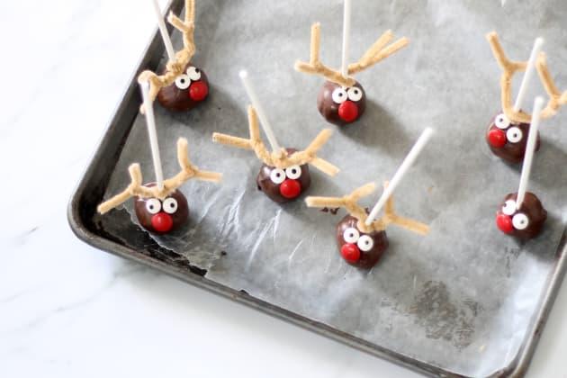 Reindeer Cake Pops Image