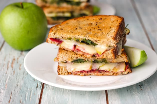 Grilled Cheese with Apple and Havarti Photo