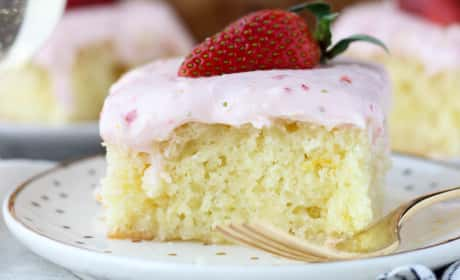 Strawberry Champagne Cake Recipe