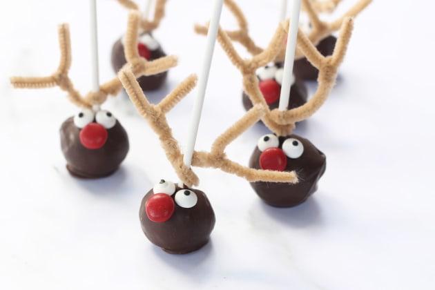 File 4 Reindeer Cake Pops