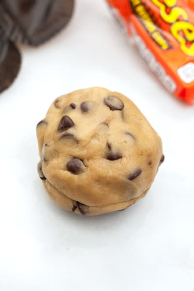 Stuffing Chocolate Chip Cookies Image