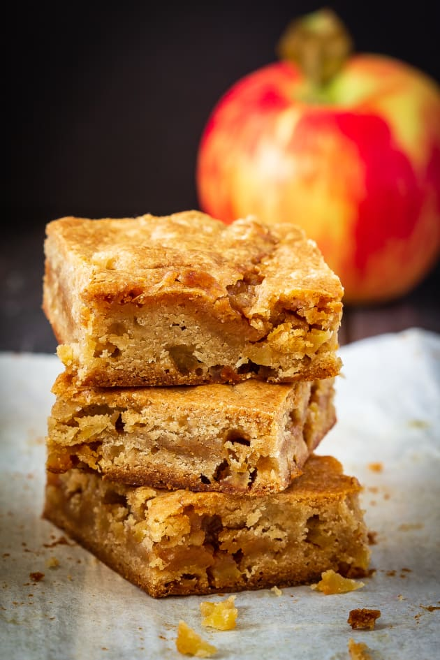 Caramel Apple Blondies Pic